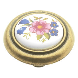 Hickory Hardware - English Cozy Bouquet Cabinet Knob - A rustic elegance is characteristic of this look. Elements have a handmade, forged metal quality. Some pieces look as if they were bought in antique shops.