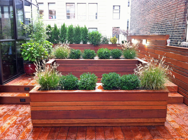 Contemporary Deck by Amber Freda NYC Garden Design