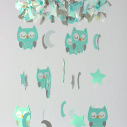 LovebugLullabies - This adorable owl mobile will make the perfect addition for above your baby's crib or changing table, a little child's room or for any room of your house, or is perfect for a baby shower gift!