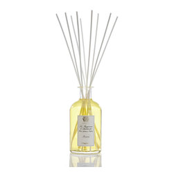 Prosecco Diffuser 500 ml. - The cocktail of choice ingredients that fulfill the scent of the Prosecco Diffuser enlightens your room with the evanescence of champagne and the liquid gold of Satsuma citrus. The luxury diffuser also offers a tempting, purple-sweet hint of sugared black currant and a whisper of velvet-warm apricot, with a sweet drizzle of passionfruit added to invite the exotic and the daring. A glass apothecary bottle lets the scent pour subtly forth.