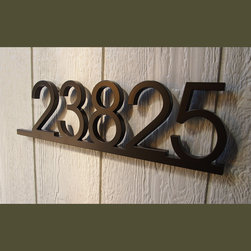 Moda Industria - Address Plaques - CUSTOM Minimalist Underline House Number Sign in Aluminum