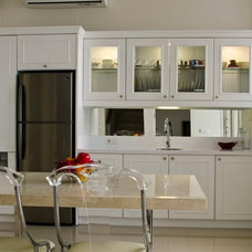 Traditional Kitchen Cabinets by Melior Kitchen