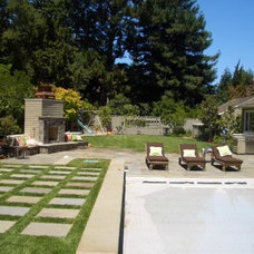 Traditional Landscape by Keith Willig Landscape Services, Inc.