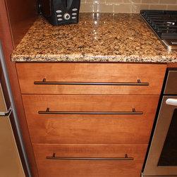 Backsplash 2x4 travertine kitchen cabinetry find kitchen for 2x4 kitchen cabinets