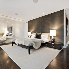 Modern Bedroom by AQ Interior Design