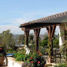 Mediterranean Patio by Stephen Dalton Architects