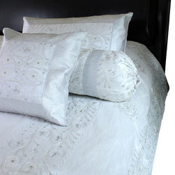 Banarsi Designs - Ornamental Embroidered 7-Piece Duvet Cover Set, Snow White, King - Decorative duvet cover set features a breathtaking and luxurious floral embroidered design.