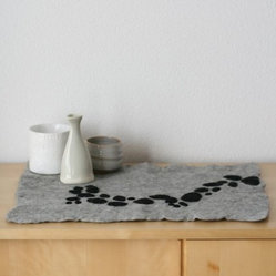 Cascade Felt Table Centerpiece/Placemat by Reyart