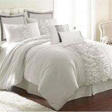 Marilyn 8 Piece King Bedding Set in Off White | Nebraska Furniture Mart