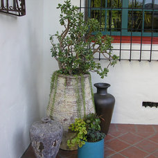 Outdoor Planters by Cassy Aoyagi, FormLA Landscaping