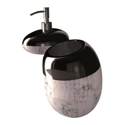 Maestrobath - Glamour Bathroom Accessory set Black Silver - This Luxury Bathroom Set is Available in Black Silver, Brown Black, and White Silver Colors.  Glamour bathroom accessory is a great addition to any bathroom.