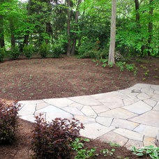 Traditional Landscape by Lisa Wilcox Deyo Landscape Architecture