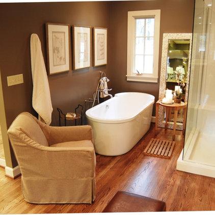 Traditional Bathroom by Studio C Architecture & Interiors