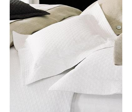 Traditional Quilts by F & B Specialty Linen