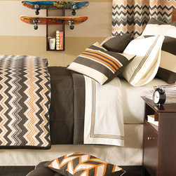 Eastern Accents - Dawson Boys Bedset - Jazz up your favorite fellow's décor with Dawson. This handsome, bright orange and classic brown collection will bring a hip, yet playful touch to a room for all ages.