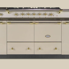 Traditional Gas Ranges And Electric Ranges by Rebekah Zaveloff | KitchenLab