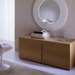 Bedroom furniture - Italian modern furniture - Superior Italian quality modern bedroom furniture, modern beds in wood or leather available in queen or king size. Exclusively made in Italy and imported from Italy, top Italian quality and design