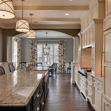 Traditional Kitchen by Habitat Architecture