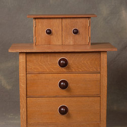 Lines / Rimbeaux - A chest of drawers in the Arts and Crafts style. Made from fumed white oak with ebonized drawer pulls. Photo:Fred Knight