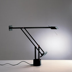 Artemide - Tizio Classic Table Lamp - Black | Artemide - Design by Richard Sapper, 1972.