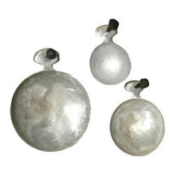 Garden Scoops - Set of 3 - The unusual characteristics of cast aluminum make this Set of Three Garden Scoops desirable to the decorator as well as to the dedicated tender of the landscape. With short, knobby handles that give an old-world look to the roughly-made aluminum, these round scoops come in three different sizes, enhancing their utility as well as their visual appeal.