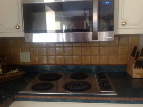 Distance Between Countertop And Stove : Clearance between gas stove top and microwave above