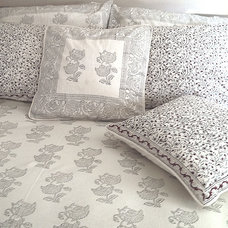 Contemporary Duvet Covers And Duvet Sets by Tilonia