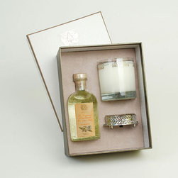 Frontgate - Antica Farmacista Ala Mona Diffuser & Candle Set - Contains an 8 oz. diffuser, a 9 oz. round candle and a luxuriously detailed nickel-plated tray. Ala Moana is a beautiful heady floral with night blooming jasmine, plumeria, tuberose, and gardenia. Diffuser arrives in an antique-inspired apothecary bottle. Insert the white birch reeds through the open neck to diffuse the scent; invert the reeds every few days or as desired to enhance the effect. Candle is produced in a clear glass vessel with a platinum leaf pattern. The Antica Farmacista Ala Moana Diffuser and Candle Set is a beautiful collection for adding fragrance to your home. The diffuser imparts a long-lasting fragrance, making any room smell fresh and clean. The candle delivers 60 hours of scented illumination.  .  .  .  .  . Made in USA.
