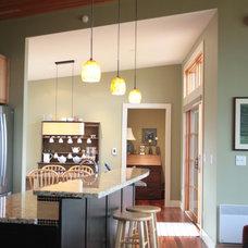 Traditional Kitchen by Banyon Tree Design Studio