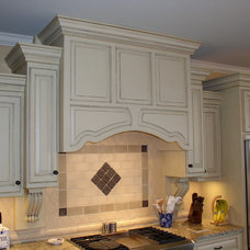 Traditional Kitchen by Raymond Smith's Cabinet Shop Inc