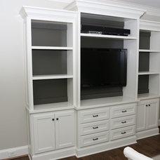 Traditional  by Atlanta Tile Contractor Inc.