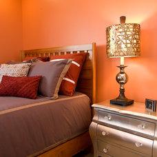 Contemporary Bedroom by La-Z-Boy Home Furnishings & Décor of Arizona