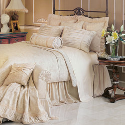 Charissa Bedset - Feminine, yet tailored, the Charissa collection features an exquisite balance of elegant ivory hues and formal trimmings. Posh details include eyelash fringe, long fancy beads, velvet ribbon, and just the right amount of ruching and ruffles.