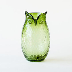 Owl Glass Figure Vase - Fall is a great time to brew some homemade tea in the sun or give your fresh flowers a festive home. This owl vase, pressed with cute hexagonal design, would be ideal for either.