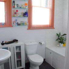 Contemporary Bathroom DSC_0016.JPG