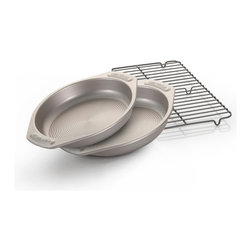 Circulon - Circulon Bakeware Three-piece Set - This bakeware set is an exceptional value, including all the basic pieces to accommodate all your baking needs. Made of heavy gauge carbon steel to aid in even browning.