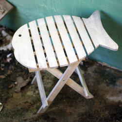 Portable Driftwood Fish Accent Table - The Portable Driftwood Fish Accent Table adds a whimsical touch to any bathroom or patio. Great for placing your beverage while you sunbathe outside or for providing extra storage and decorating possibilities in the bathroom, this cute table is made from natural driftwood and can be folded for portability and compact storage.