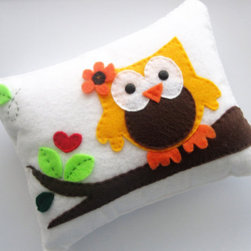 Ecofriendly Owl Pillow by Maria Palito - Who wouldn't love this adorable felt owl pillow? It's perfect for decorating your little one's room. This hand-stitched pillow is made with ecofriendly felt from recycled post-consumer plastic bottles and is non-toxic.