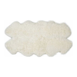 Auskin USA - Auskin Premium Authentic Sheepskin Rug Quarto, Black - Auskin urban sheepskin rugs are carefully crafted from premium quality New Zealand and Australian sheepskins, selected for their density and natural sheen, to create contemporary rugs that add texture, comfort, colour and style to your home.