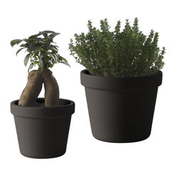 Muuto - Outside In Flower Pot - The design is a new interpretation of the classic and iconic flower pot. The extra water cup normally placed underneath the pot is now further developed and placed inside the flowerpot.