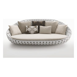 B&B Italia Outdoor - B&B Italia Outdoor Canasta Round Sofa - All these very comfortable seats have frames in aluminium finished with weather-resistant polyester powder coat paint. They are available in the colors white or bronze, with woven details in polyethylene fibre in the same color as the frame. Additional cushions are available for an upcharge. Price includes shipping to the USA. Manufactured by B&B Italia Outdoor.Designed in 2007.