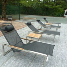 Outdoor Chairs by d`apostrophe llc