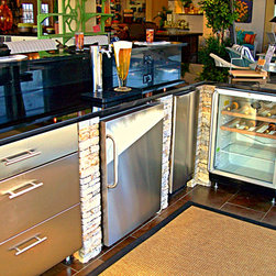 Outdoor Kitchens - Additional outdoor kitchen units | Storage, wine cooler, beverage dispenser, ice-maker & refrigerator
