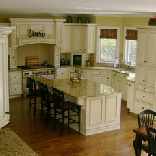 Traditional Kitchen Cabinetry by ULTIMATE KITCHENS--SHOWROOM