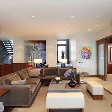 Modern  by Robert Bailey Interiors