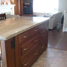 Kitchen by Pair Home Design