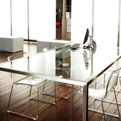 modern dining tables by Diaco Muebles a medida