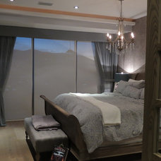 Traditional Bedroom by Carlos Chiver