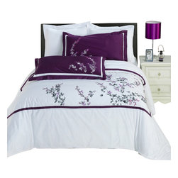 Bed Linens - Spring Valley Embroidered Multi-Piece Duvet Set King-California King - You are invited to experience the comfort, luxury and softness of our luxurious Embroidered duvet covers. Silky Soft made from 100% Egyptian cotton with 300 Thread count woven with superior single ply yarn. Quality linens like this one are available only at selected Five Stars Hotels.