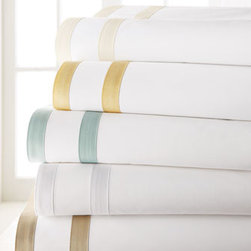 """Matouk - Matouk Marlowe Queen Sheet Set - Classically modern cotton bed linens come in your choice of colors. Please select color when ordering. From Matouk. """"Windowpane"""" linens are 300-thread-count Egyptian cotton sateen. Made in the USA of Italian fabric. """"Marlowe"""" sheeting and accessories...."""